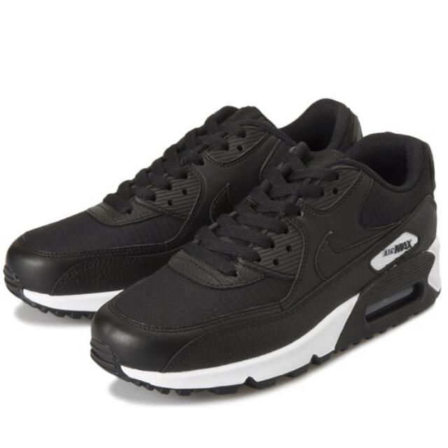 NIKE(ナイキ)の即購入禁止新品箱付NIKEAIRMAX90ナイキエアマックス27cm26.5対象 メンズの靴/シューズ(スニーカー)の商品写真