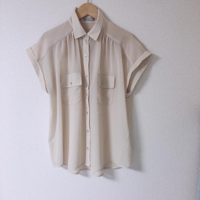 GU(ジーユー)の【美品】GU シンプルブラウス レディースのトップス(シャツ/ブラウス(半袖/袖なし))の商品写真