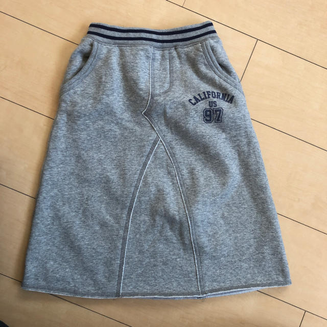 GU(ジーユー)の発送前 SALE 子供服 スウェットロングスカート 120 キッズ/ベビー/マタニティのキッズ服 女の子用(90cm~)(スカート)の商品写真