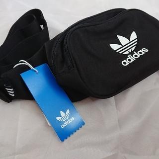 アディダス(adidas)のadidas essential cross body bag(ショルダーバッグ)