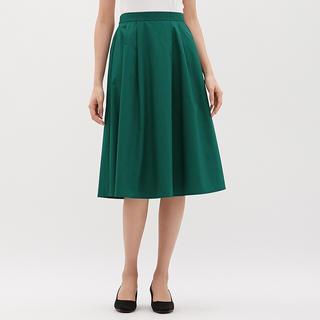 ジーユー(GU)のタックフレアスカート(ひざ丈スカート)