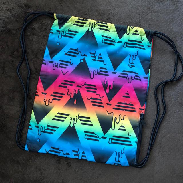 adidas(アディダス)の美品アディダスオリジナルス カラフルナップサック メンズのバッグ(バッグパック/リュック)の商品写真