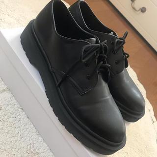 フォーエバートゥエンティーワン(FOREVER 21)のドクターマーチン風 (ローファー/革靴)