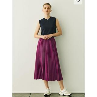 ジーユー(GU)の新品 新作 GU プリーツミディスカート M(ロングスカート)