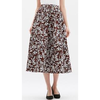 ジーユー(GU)のGU フレアロングスカート 花柄 ブラウン(ロングスカート)