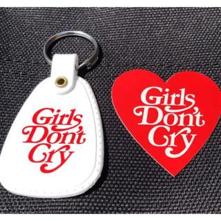 ジーディーシー(GDC)のgirls don't cry cafe キーホルダー ステッカー(キーホルダー)