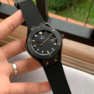 ウブロ(HUBLOT)のウブロ HUBLOT 腕時計 人気 男性 セール クォーツ ブラック プレゼント(その他)