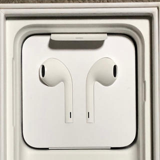 アップル(Apple)のiPhone7 イヤホン(ヘッドフォン/イヤフォン)