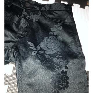コムデギャルソンオムプリュス(COMME des GARCONS HOMME PLUS)のcomme des garcon homme plus 花刺繍パンツ(スラックス)