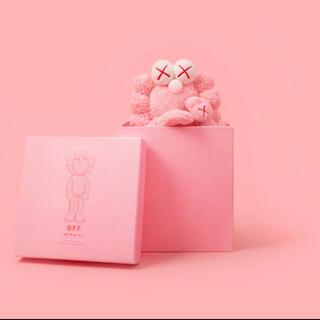 メディコムトイ(MEDICOM TOY)のKAWS BFF Limited Plush PINK (ぬいぐるみ)