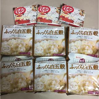 【6袋】ハウス食品 ふっくら白五穀 25g×10袋×6袋 おまけ(キットカット)(米/穀物)
