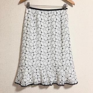 アリスバーリー(Aylesbury)の【美品】Aylesbury〈アリスバーリー〉フラワー刺繍 上品 スカート*9*(ひざ丈スカート)