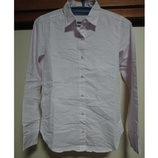 ジーユー(GU)のGU 長袖 ピンクのストライプシャツ【即購入可】(シャツ/ブラウス(長袖/七分))