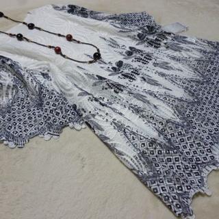 新品 M~L 刺繍レースチュニック オフ白黒系(チュニック)