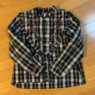 アズノウアズ(AS KNOW AS)の花柄刺繍入りチェックシャツ(シャツ/ブラウス(長袖/七分))