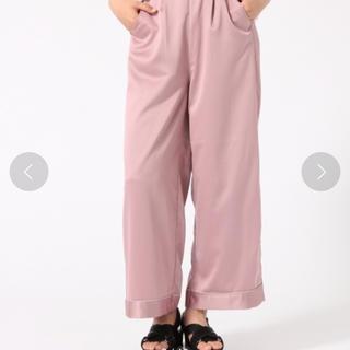 ハレ(HARE)のWEGO SLY moussy パジャマ風 サテンパンツ ワイドパンツ パンツ(カジュアルパンツ)