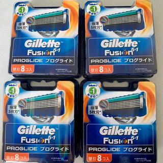 ジレ(gilet)のジレット フュージョン  プログライド  8個入り x 4箱 計32個(メンズシェーバー)