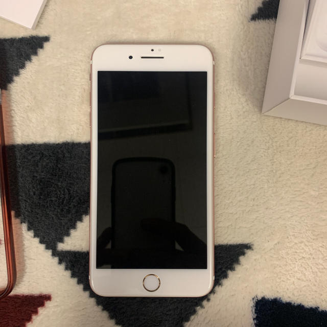 iPhone(アイフォーン)のsimフリー iPhone7 plus 128GB ピンクゴールド スマホ/家電/カメラのスマートフォン/携帯電話(スマートフォン本体)の商品写真