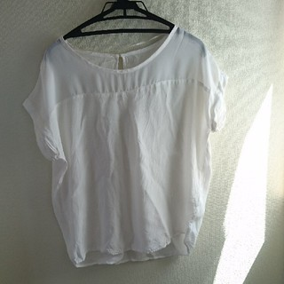 ジーユー(GU)のジーユートップス 半袖ブラウス、(シャツ/ブラウス(半袖/袖なし))