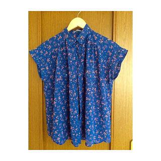 ジーユー(GU)の小花柄トップス ୨୧(シャツ/ブラウス(半袖/袖なし))