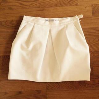 ザラ(ZARA)のザラ ホワイト スカート (ひざ丈スカート)