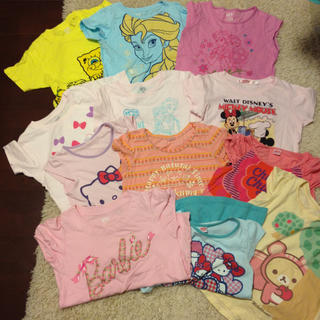 ユニクロ(UNIQLO)の女の子Tシャツとパンツセット(Tシャツ/カットソー)