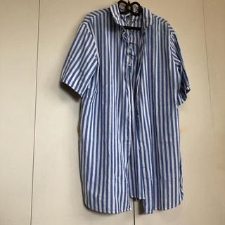 ザラ(ZARA)のZARA  ストライプ シャツ スリットバックシャン(シャツ/ブラウス(半袖/袖なし))