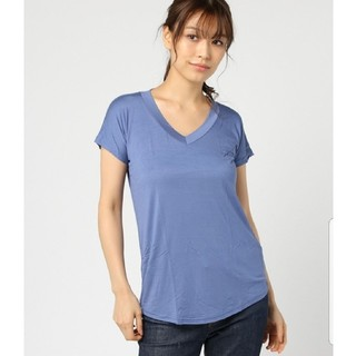 【新品】OVoVO VネックベーシックTシャツ 青(Tシャツ(半袖/袖なし))
