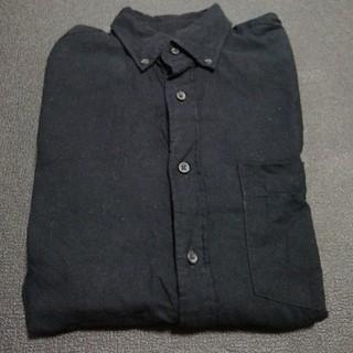 ユニクロ(UNIQLO)の【最終値下げ】UNIQLO 長袖 黒シャツ(シャツ)
