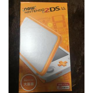 ニンテンドウ(任天堂)の2DSLL ホワイト×オレンジ(携帯用ゲーム本体)