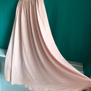GU - サテン地のロングスカート、Lサイズ