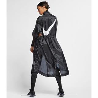 ナイキ(NIKE)の【完売品】NIKE ビッグスウッシュ 19SS ロングコート(ナイロンジャケット)