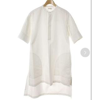 ドゥロワー(Drawer)の【新品タグ付き】INSCRIRE アンスクリア 半袖モードシャツ ブラウス(シャツ/ブラウス(半袖/袖なし))