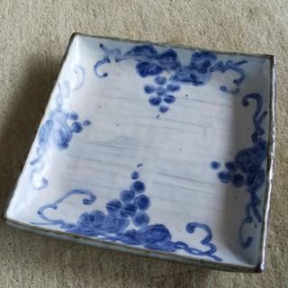タチキチ(たち吉)のたち吉 角皿 ぶどう絵/藍×薄灰色(食器)