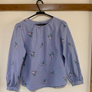 ジーユー(GU)のGUの刺しゅうTシャツ(Tシャツ(長袖/七分))