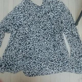 スパイラルガール(SPIRAL GIRL)のレオパード柄スキッパーシャツ(シャツ/ブラウス(長袖/七分))