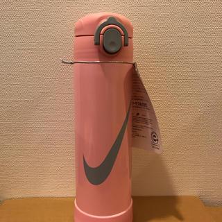 サーモス(THERMOS)のNIKE 新品未使用 サーモス ステンレス水筒 500ml  保温 保冷(弁当用品)