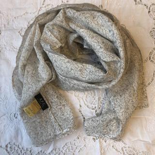 アーペーセー(A.P.C)のアー ペー セー A.P.C. ストール 花柄 白地 スカーフ (ストール/パシュミナ)