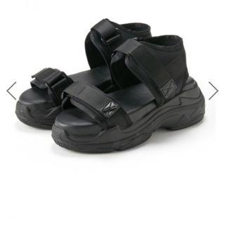 厚底靴スポーツサンダル
