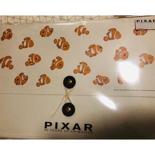 ディズニー(Disney)のPixer 30周年展限定 ドキュメントファイル/ニモ(ファイル/バインダー)
