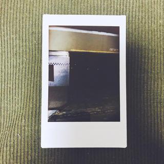 チェキ ラブホテル 駐車場(アート/写真)