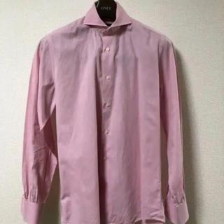 スーツカンパニー(THE SUIT COMPANY)のONLY PREMIO(オンリープレミオ)シャツ(ピンク)メンズ Lサイズ 美品(シャツ)