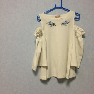 シマムラ(しまむら)のしまむら 肩出し トップス カットソー 刺繍(カットソー(長袖/七分))