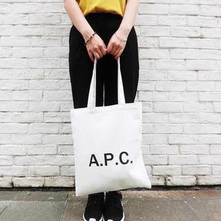 アーペーセー(A.P.C)のA.P.C. 白 アーペーセー APC トートバッグ(トートバッグ)