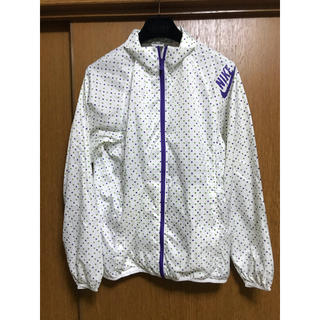 ナイキ(NIKE)のNIKE♡ナイキドットウインドブレーカージャケット(ナイロンジャケット)