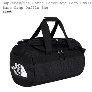 シュプリーム(Supreme)の supreme TNF Arc Logo Bag 黒(ボストンバッグ)