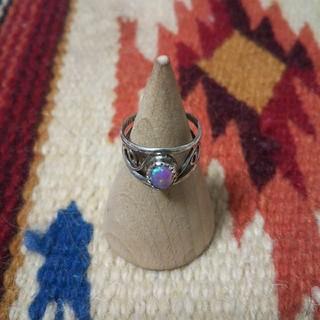 マライカ(MALAIKA)のインディアンジュエリー ナバホ族 ピンクオパール シルバーリング 指輪ターコイズ(リング(指輪))