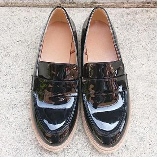 ジーユー(GU)のGU ジュートプラットフォームローファー 靴 エナメル(ローファー/革靴)