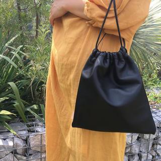 ZARA - 本革 巾着バッグ   スムースレザー ブラック