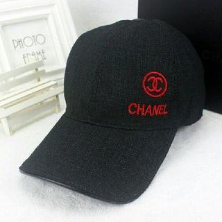 シャネル(CHANEL)のCHANEL キャップ 帽子 ブラック 赤ロゴ(キャップ)